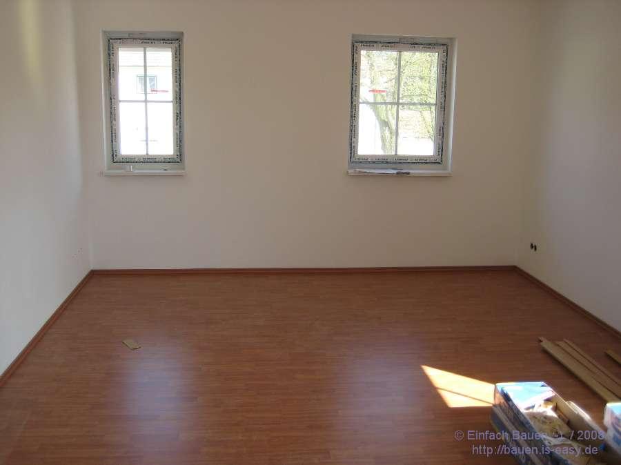 erste zimmer laminiert einfach bauen. Black Bedroom Furniture Sets. Home Design Ideas
