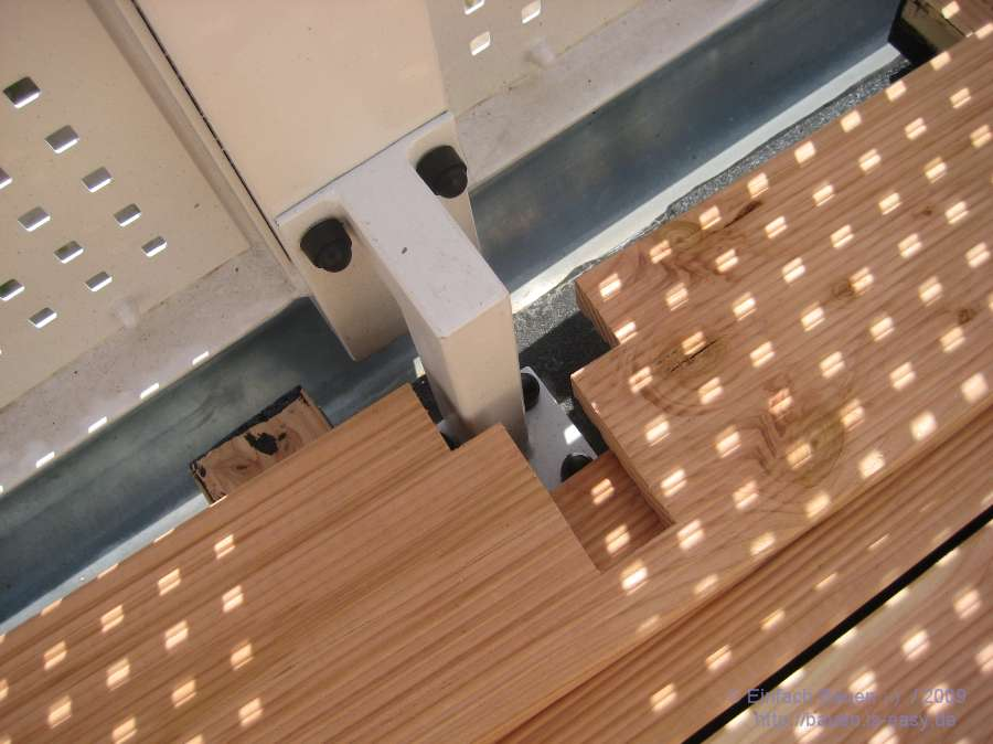holz auf den balkon ix fast fertig 33 1 3 einfach bauen. Black Bedroom Furniture Sets. Home Design Ideas